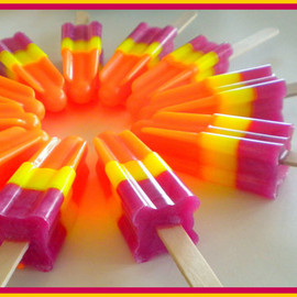 Luulla - Soapsicle - Pomegranate Mango Papaya - Soap Popsicle - Party Favors