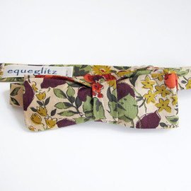 Equeglitz, Liberty London - Retro honesty leaves and poppy flower print slim cotton bow tie