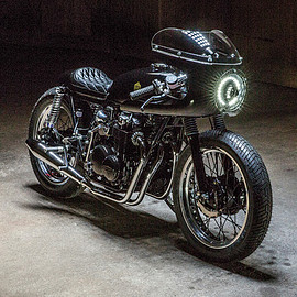 "KIKISHOP CUSTOMS - ""Black Custom"" Royal Racer Honda CB500"