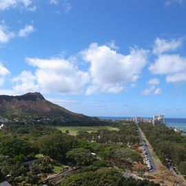 hawaii, wikiki - mountain view