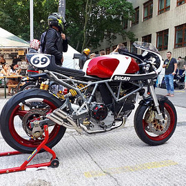 Real Machine - Ducati 900 SS