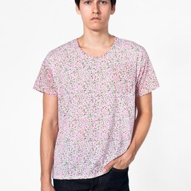 "American Apparel - ""Le New Big Pocket Printed Tee"" (Small Pink Tea Rose on Creme)"