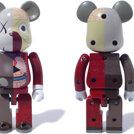 KAWS - 超合金BE@RBRICK OF COMPANION