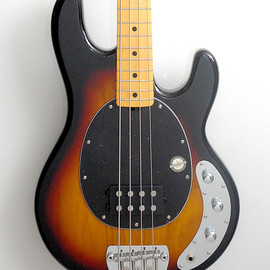 Music Man - STERLING BY MUSICMAN RAY 34 CA