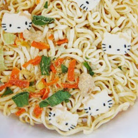 Winner Food Products - Hello Kitty Instant Noodles
