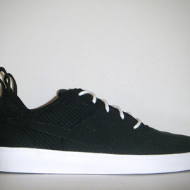 Nike - Courtside Canvas - Black/White (Sample)