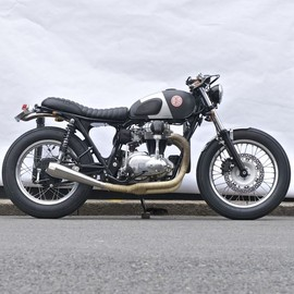 DEUS - KAWASAKI W650 'THE RED PILL'