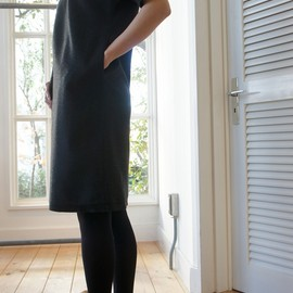 THE FACTORY - HALF SLEEVE WOOL DRESS