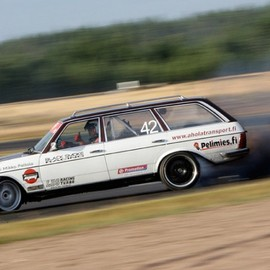 Mercedes-Benz - Hooniverse Weekend Edition: Last Call; The Drifting Diesel Benz Wagon!