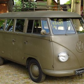 VOLKSWAGEN - TYPE 2 BUS スイス軍仕様