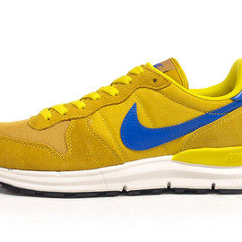 Nike - LUNAR INTERNATIONALIST for SELECT YEL/NVY/WHT