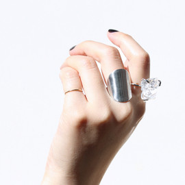in her - Curve ring