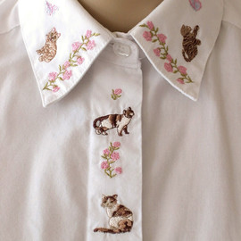 etsy - White shirt with embroidered cats