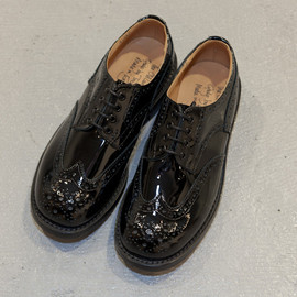 Quilp by Tricker's - Black Patent Derby Brogue w/Dinite Sole
