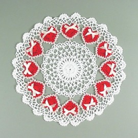 """Luulla - Crocheted White, Red, Pink Valentine's Day """"Ring of Love"""" Doily w/ Ribbon - 12 1/2"""""""