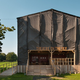 West Sussex, England - Theatre on the Fly