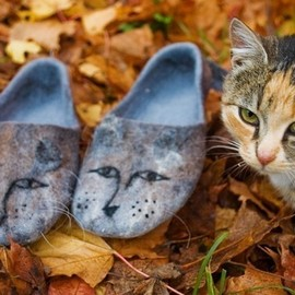 Felted slippers from softest merino wool SISTERS CATS