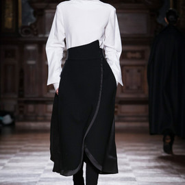 Aganovich - FALL 2014 READY-TO-WEAR Aganovich