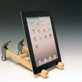 Docks4iPods - Handmade iPad Stand with repurposed tools