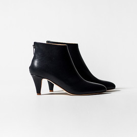 Common Projects - short boots