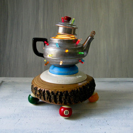 BeeJayKay - Vintage Teapot Lamp - Upcycled Reclaimed Table Lamp