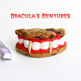 original site of NESTLÉ TOLL HOUSE - Dracula's Dentures for Halloween