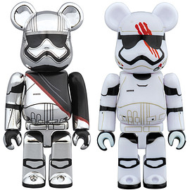 MEDICOM TOY - CAPTAIN PHASMA(TM) & FN-2187(TM) BE@RBRICK STAR WARS(TM) 2PACK
