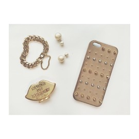 URBAN BOBBY - URBAN BOBBY Studs iPhone case