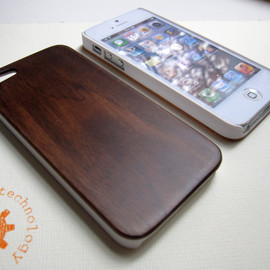 Creative Use of Technology - wooden iphone 5 cases with sturdy rubber bumper - real bamboo, cherry or black walnut wood - for laser engraved designs