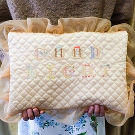 "emiumigumi - ""GOOD NIGHT""Pillow clutch bag"