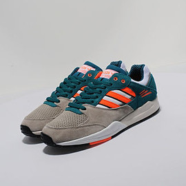 adidas - Tech Super size? exclusive