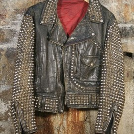 BESS NYC - Full Sleeve Studded Vintage Biker Jacket