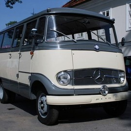 Mercedes-Benz - O319 D bus