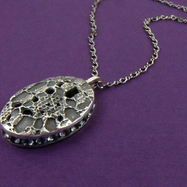 Luulla - Lace Oval Necklace (discontinued)