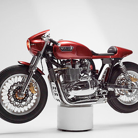 Triumph - Thruxton Gullwing cafe racer by Tamarit