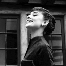 Audrey Hepburn - happy smile