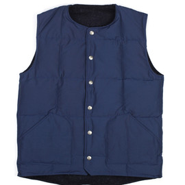 Mt. Rainier Design - Navy Reversible Vest