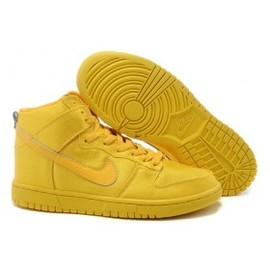 Nike - NYLON X NIKE SPORTSWEAR DUNK HIGH YELLOW