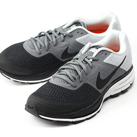 Nike - AIR PEGASUS +30
