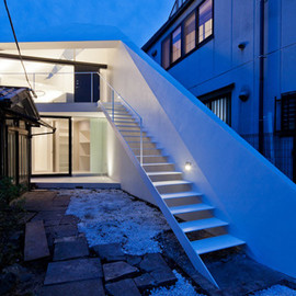Apollo Architects & Associates - Arrow by House & photo studio, Shinagawa, Tokyo