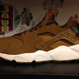 Nike - Air Huarache - Umber Brown