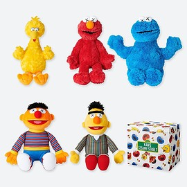 UNIQLO, UT, KAWS - Plush Toy Sesame Street Complete Box