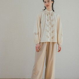 clane - VINTAGE FLOWER EMBROIDERY SHIRT
