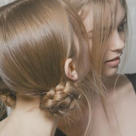 Bridal hair inspiration / Marc Jacobs
