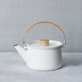 west elm - ENAMEL TEA POT