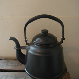 TRUCK FURNITURE - kettle