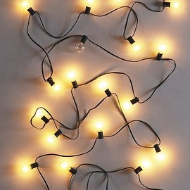 urban outfitters - Globe String Lights