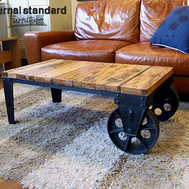Journal Standard Furniture - BRUGES DOLLY TABLE