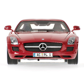 Minichamps - MERCEDES-BENZ SLS AMG - 2010 - RED METALLIC