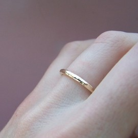 esdesigns - Hammered Yellow Gold Wedding Ring - Hand Hammered 14k Recycled Gold - 2 mm round